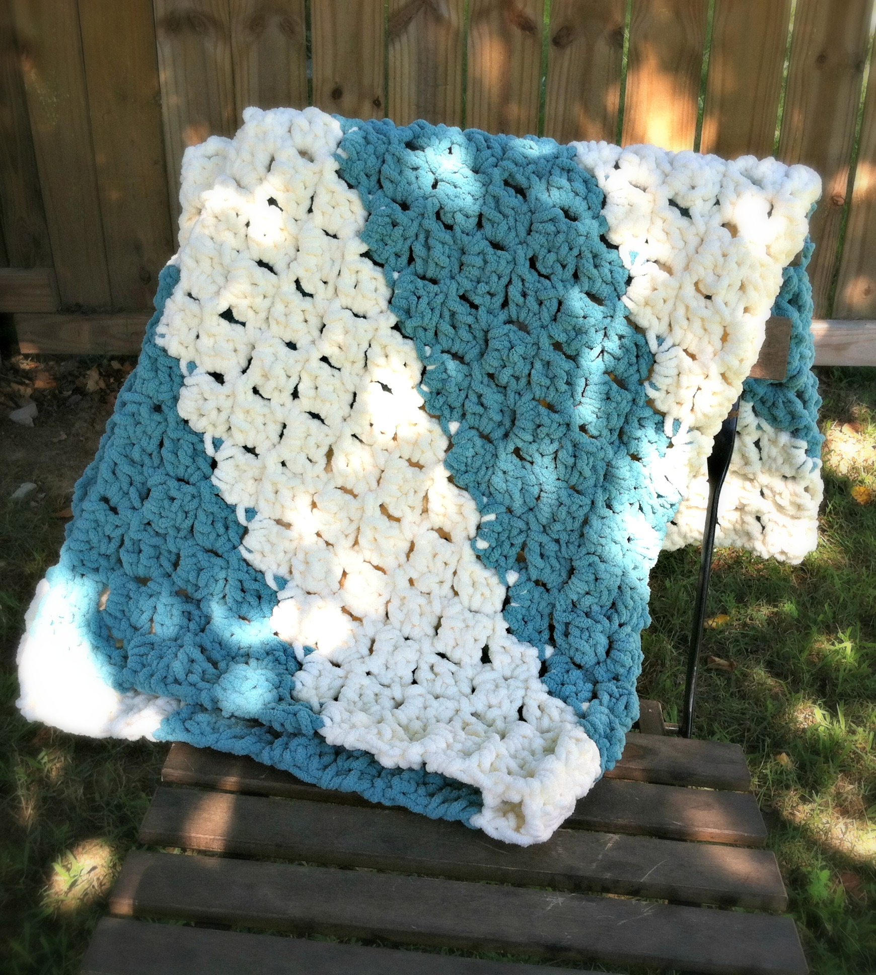 Quick and Easy Baby Blanket - Free Crochet Pattern - Amanda Saladin