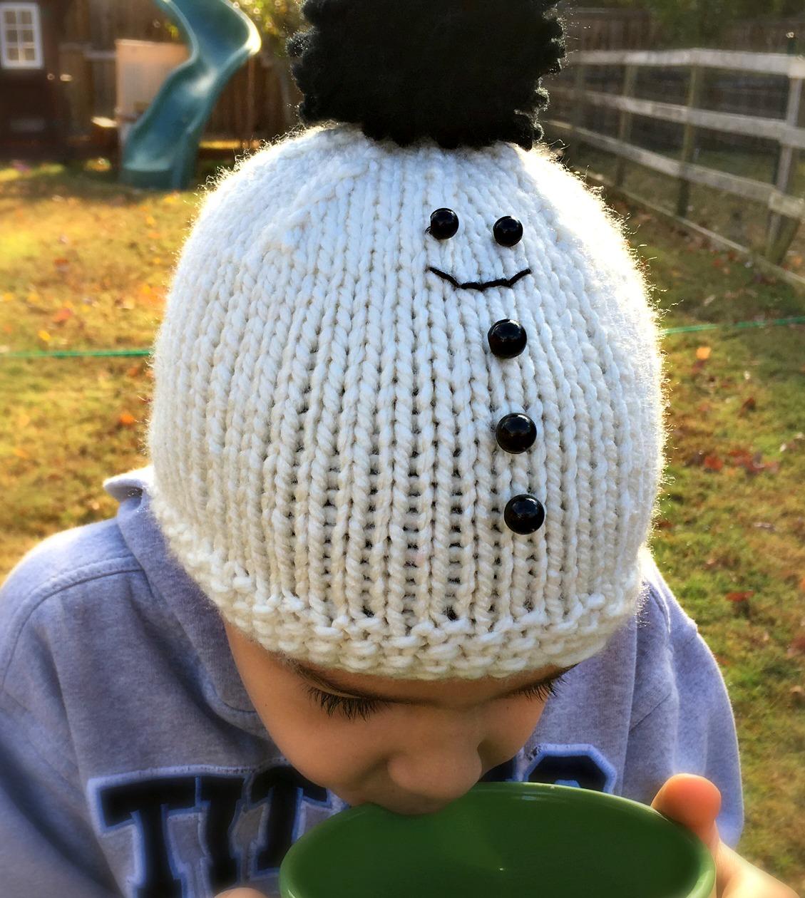 Christian\'s Snowman Hat - Free Knitting Pattern - Amanda Saladin