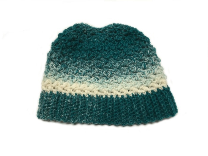 Free Pattern! I love this messy bun hat! So easy and it works up really fast!